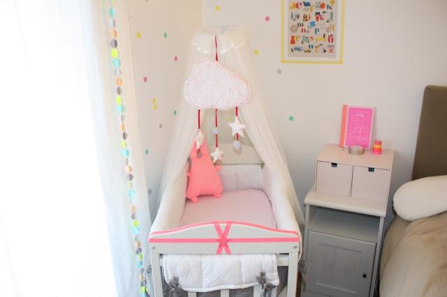 Un coin cosy pour ma crevette les vies d 39 am lie for Amenager un coin bebe dans la chambre des parents