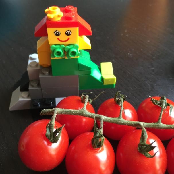 Lego et tomates cerises Viesdamelie