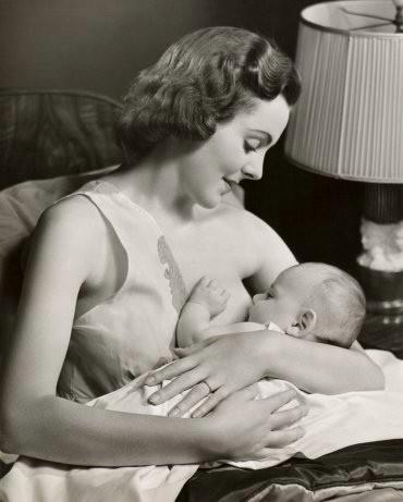 1950_femme-allaitant-US