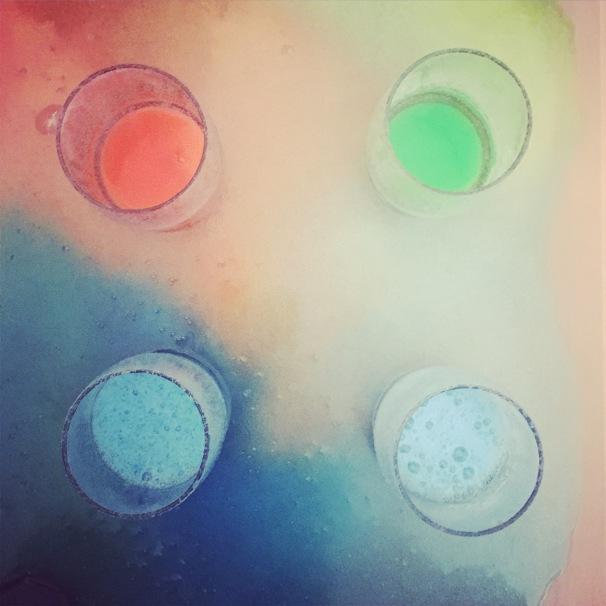 vinaigre bicarbonate enfants expérience sensorielle