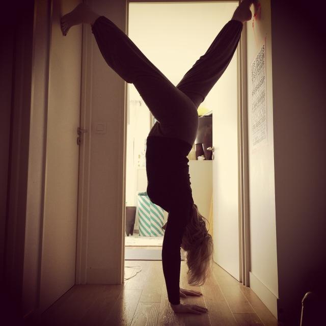 blog yoga handstand